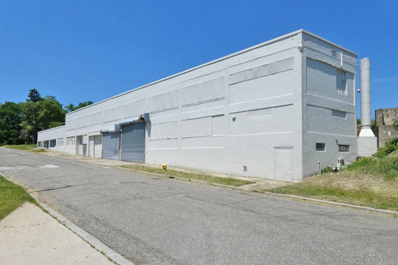 118 W Lawrence St, Pontiac, MI, 48341