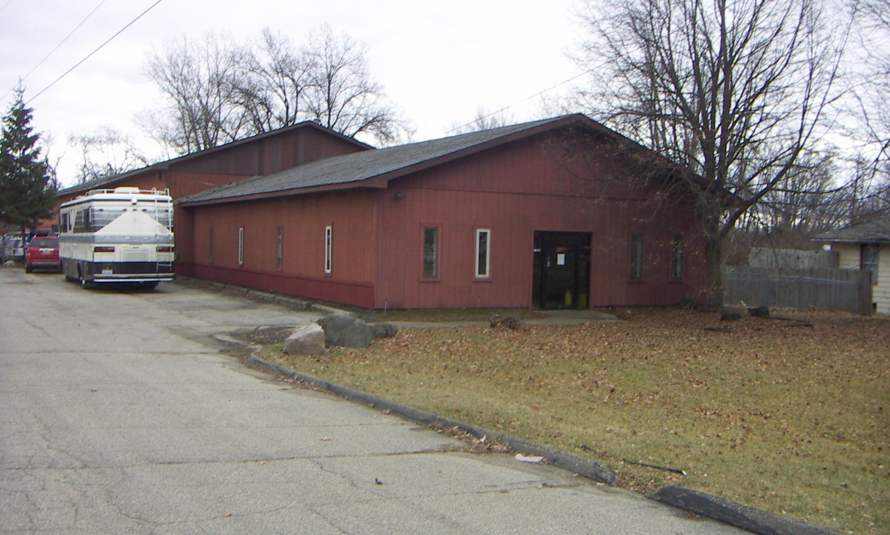 1290 Crescent Lake Rd, Waterford, MI, 48327