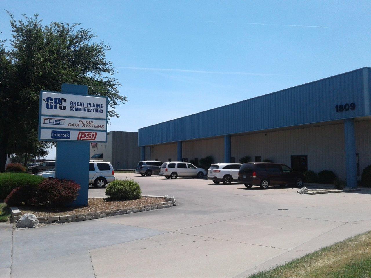 1809 S West St, Wichita, KS, 67213