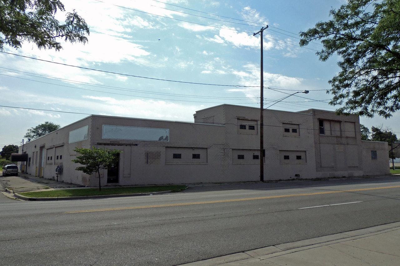 2307 S. Saginaw Street, Flint, MI, 48507