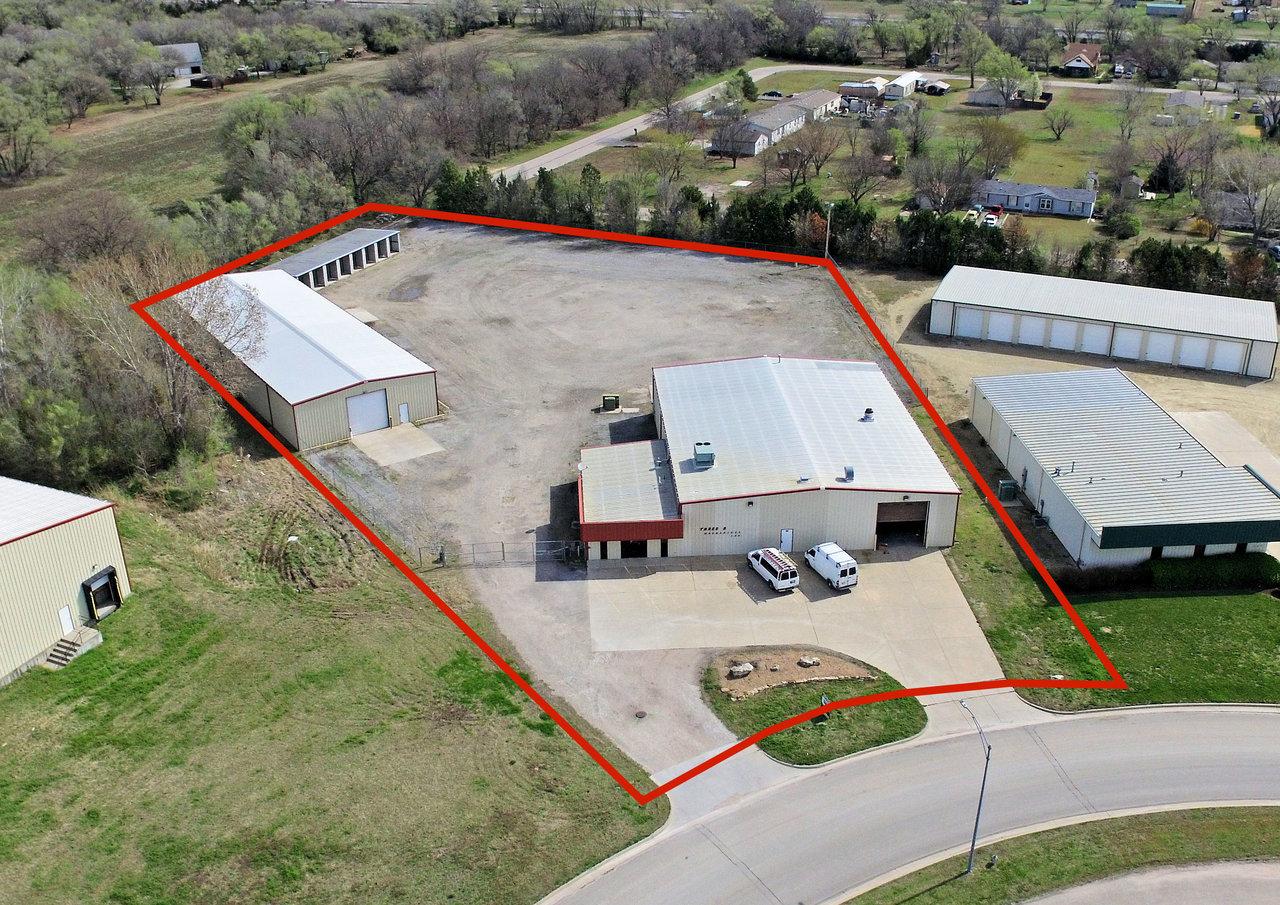 300 Cain Dr, Haysville, KS, 67060