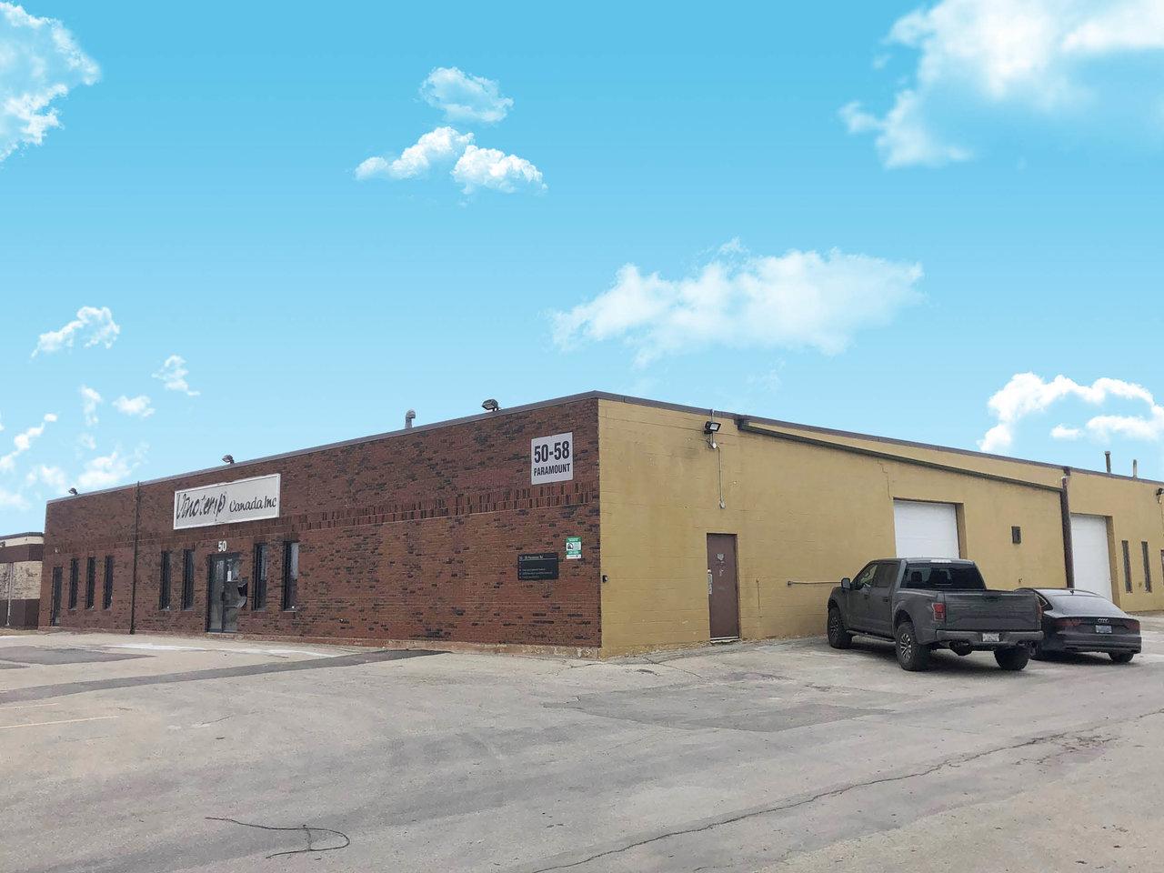 50 Paramount Rd, Winnipeg, MB, R2X 2W3