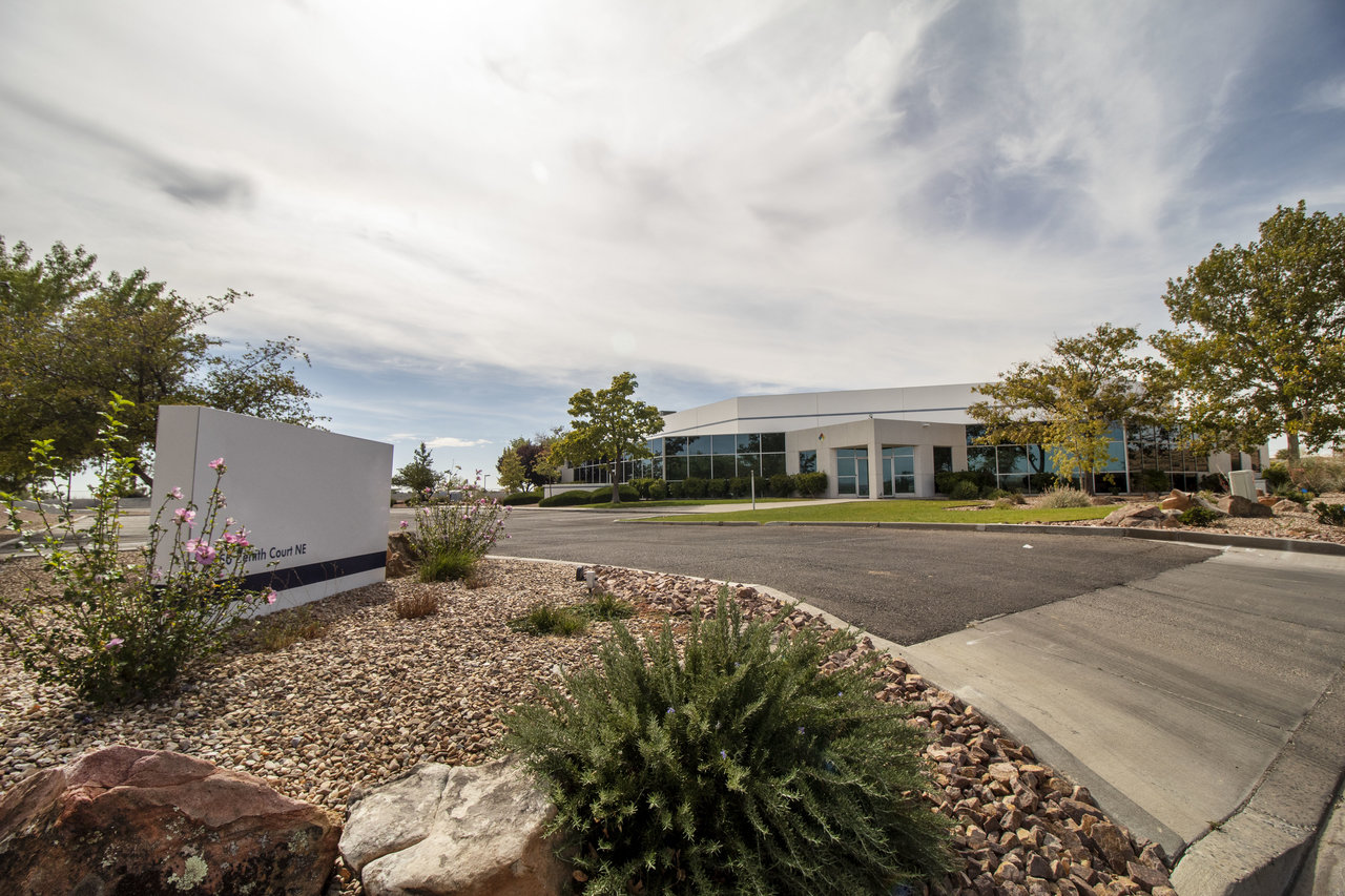 6050 Zenith Ct NE, Rio Rancho, NM, 87144