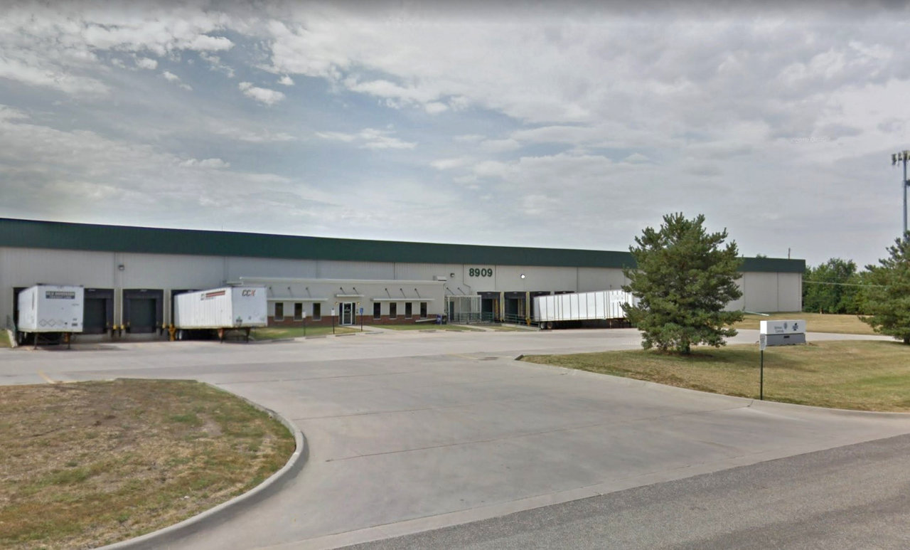 8909 E 35th St N, Wichita, KS, 67226