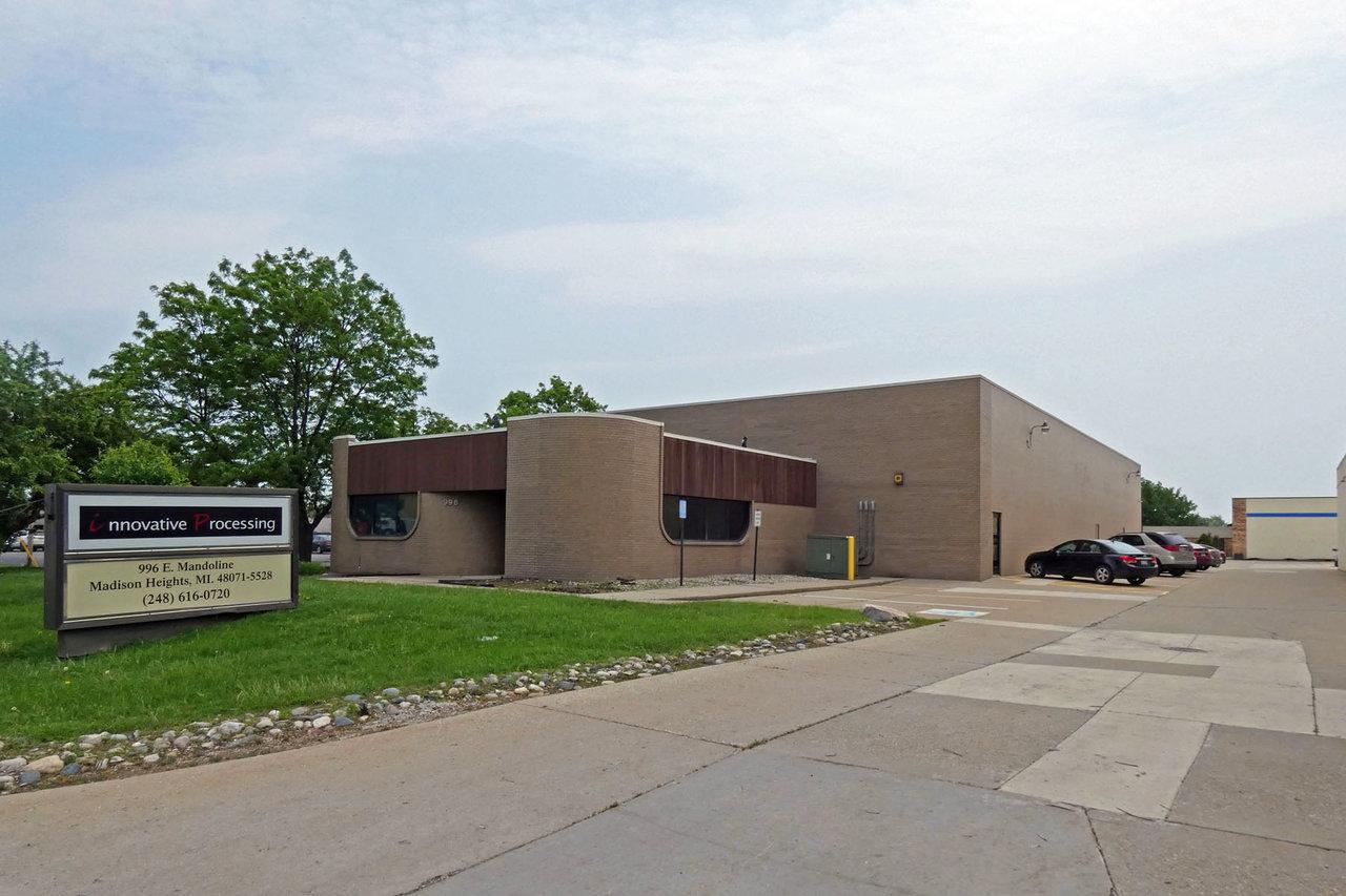 996 E Mandoline Ave, Madison Heights, MI, 48071