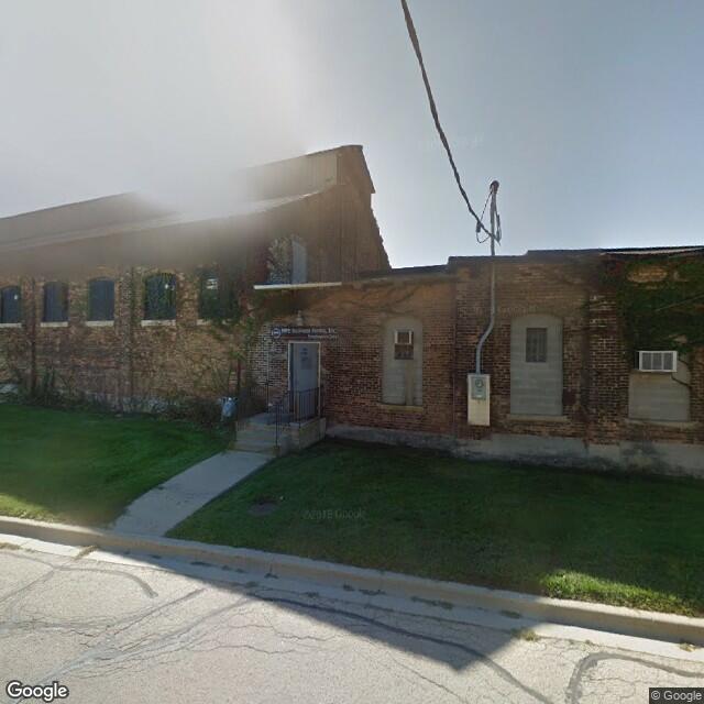 1120 Oak St, DeKalb, IL 60115