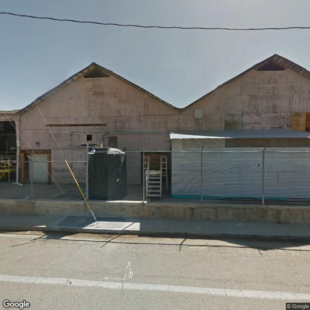 142 W Olive Ave, Porterville, CA 93257