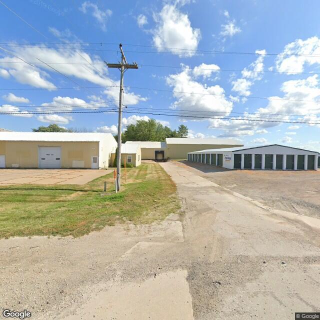16881 210th St, Davenport, IA 52806