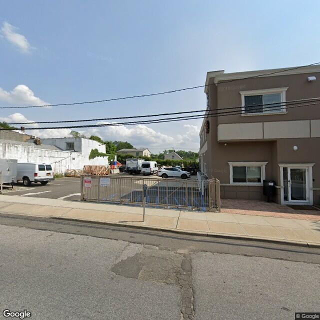 18 Willowdale Ave, Port Washington, NY 11050