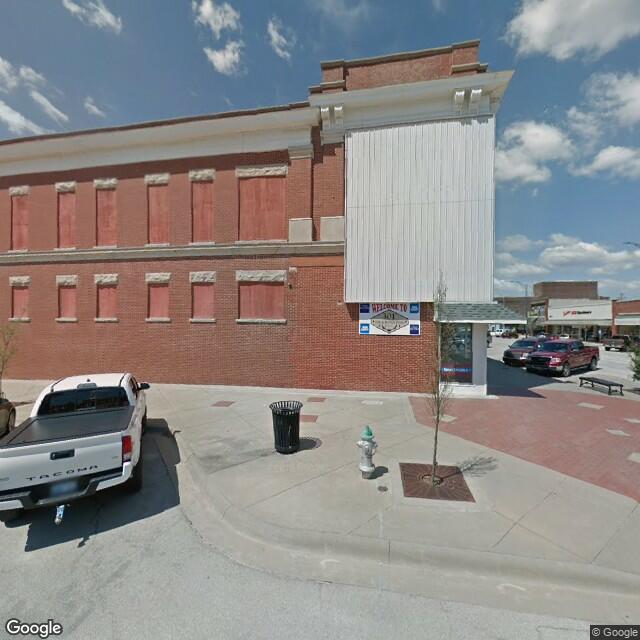 301 & 401 East Avenue B, Salina, KS 67401