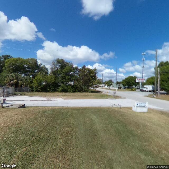 427 S Market Avenue, Fort Pierce, FL 34982