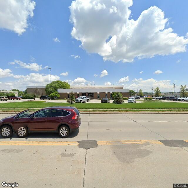 4433 S 96th St, Omaha, NE 68127