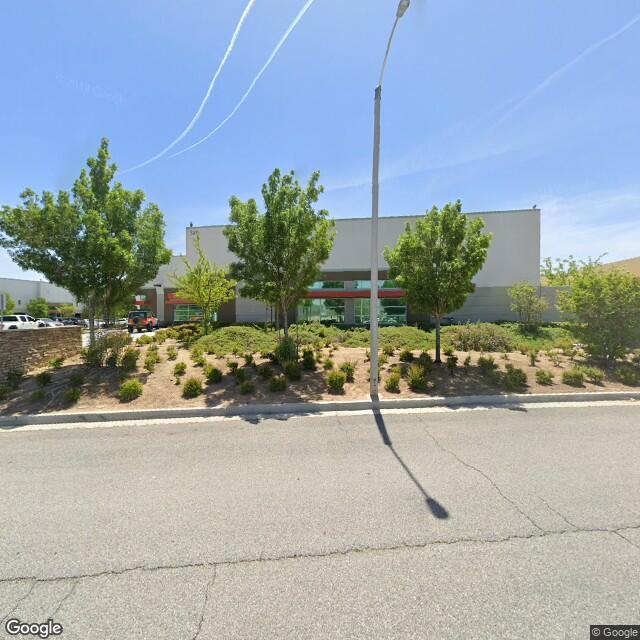 320 Grand Cypress Ave, Palmdale, CA 93551