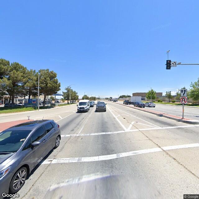 441 E Avenue L, Lancaster, CA 93535