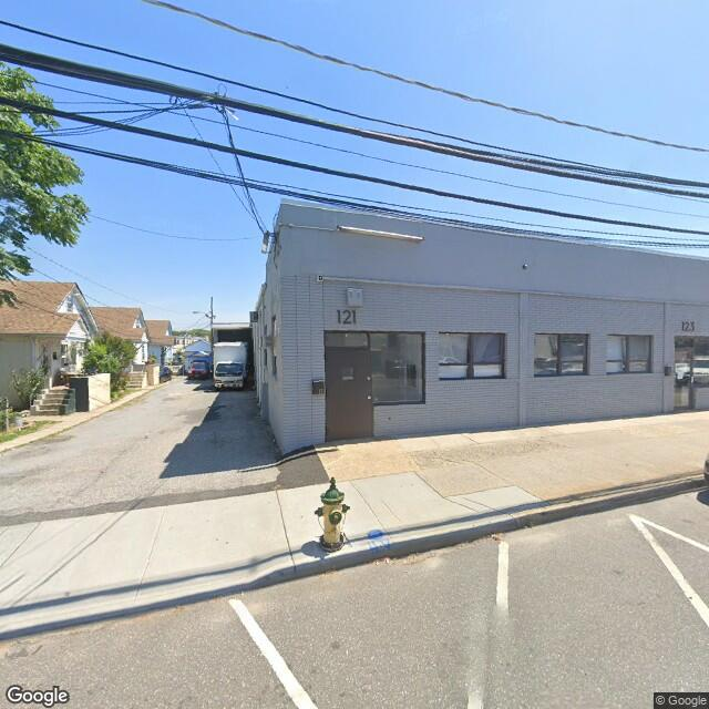 121 Henry St,Freeport,NY,11520,US