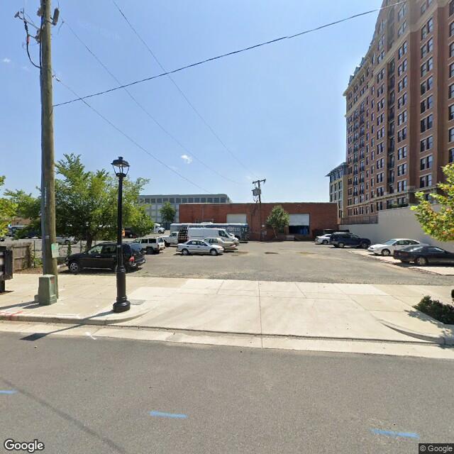 1050 N Fayette St,Alexandria,VA,22314,US