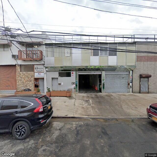 18-65 Steinway St,Astoria,NY,11105,US