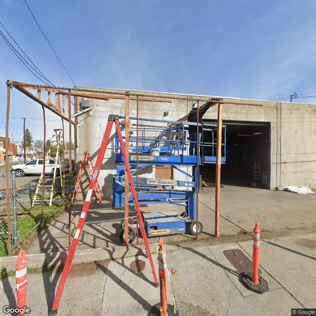2710 R St,Sacramento,CA,95816,US