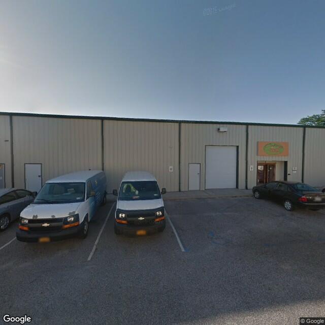 1074 Pulaski St,Riverhead,NY,11901,US